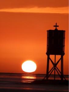 InselNeuwerk-Sonnenuntergang hinter der Nordbake