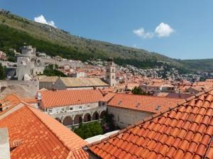 Kroatien - Dubrovnik - Kloster und Altstadt in Festungsmauern