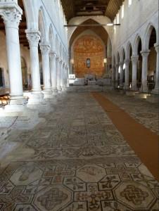 Innenraum Basilika Aquileia