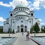 Belgrad verbirgt seine Sehenswürdigkeiten wie verstreute Schätze
