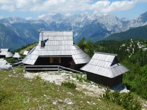 Private Holzschindelhuette auf der Velika Planina