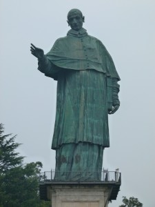 Statue Carlo Borromeo