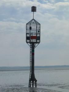InselNeuwerk-Rettungsbake im Watt